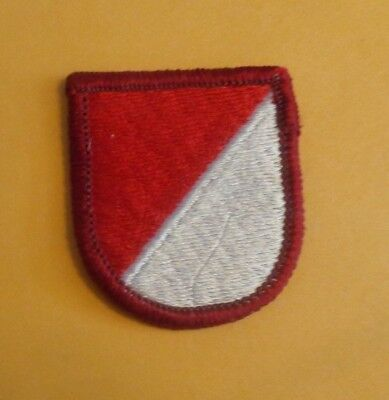 AIRBORNE BERET FLASH, 1970s 2ND SQUADRON 8TH cavalry. 1ST CAVALRY DIVISION