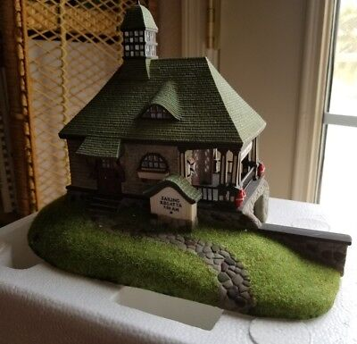 "Department 56 Seasons Bay ""Stillwaters Boathouse"" # 53414 Nice piece! Retired"