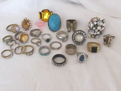 Lot of  Vintage Costume Jewelry Rings Ring Estate Sale Find