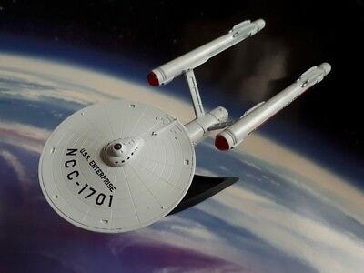 Star Trek Model USS Enterprise NCC-1701 TOS Light-Up Starship (Similar Furuta)