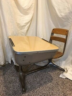 American Seating Company Vintage Child S School Desk Wood Metal 1 P Homeschool