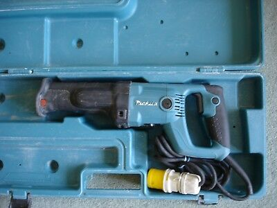 Makita Reciprocating Saw 110v Model JR 3050 T
