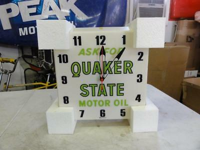 Vintage NOS Dualite Quaker State Lighted Clock Sign 1960s 1970s 1980s Oil Can