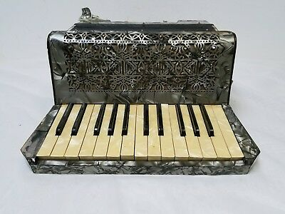 Vintage Castelli Student Size 25/12 Piano Accordion For Repair