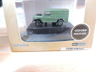Oxford Military NDEF003  Land Rover Defender 110 Hard Top British Army 1:160