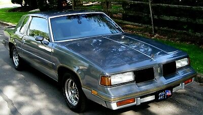 1987 Oldsmobile 442 Cutlass 1987 Stunning Silver/Gray Cloth,V-8,Auto,Low 55k,Orig.Window Sticker,Garage,Exc.