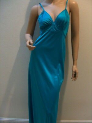 Women's Vanity Fair Long Turquoise Blue Strappy Vintage Nightgown Size 32