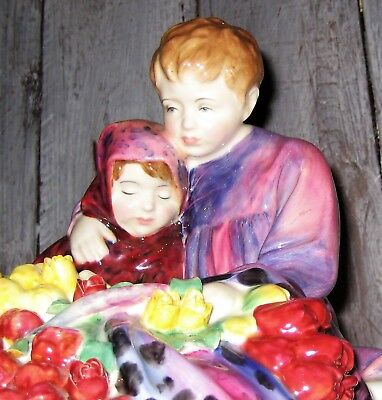 Royal Doulton - Flower Seller's Children HN 1342