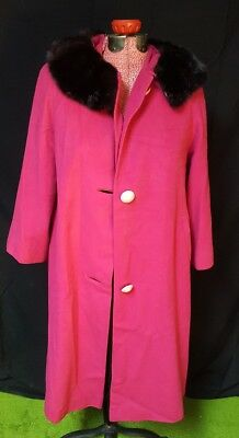 Preowned 100% pure 24 K cashmere Einiger 100009 pink coat accent buttons fur VTG