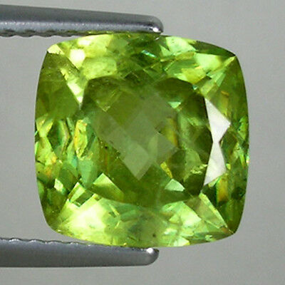 4.00 ct   RARE MULTI COLOR SPARKLING NICE YELLOW _ NATURAL SPHENE  SQ Cushion !