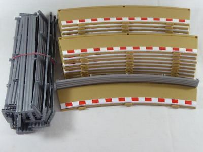 Scalextric (20pcs.) Radius 4 outer Borders & Fences C8238/L8993/L8996 (SO2687)