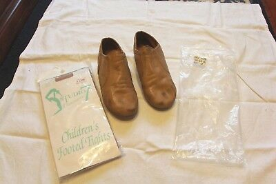 Jazz shoes tan split sole capezio girls size 12 includes brand new tan tights