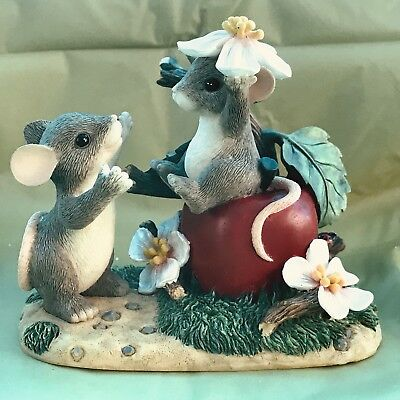 """CHARMING TAILS BY FITZ & FLOYD """"APPLE OF MY EYE"""" Mice"""