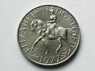 UK (Great Britain) 1977 25 Pence CROWN Coin with Lustre & Elizabeth II on Horse
