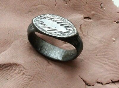 Ancient Roman Bronze Ring with decorations Size D=20mm  6gm.