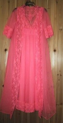 Vtg size M Beautiful Pink Long Robe Night Gown Sheer Lace 2-piece Set USA made