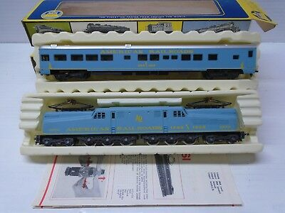 "HO Scale AHM/Rivarossi G.E. GG1 Electric Locomotive #4902 ""American Railroad"""
