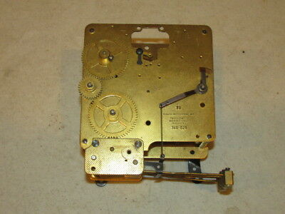 Vintage Brass Bulova Watch Comp. Clock Works w/ 5 Chime Rods VFC Parts Repairs