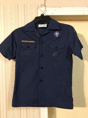 Boy Scouts Of America. Cub Scout Shirt Youth Medium.        A