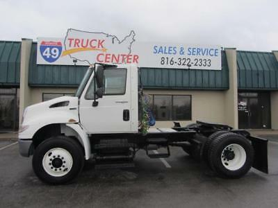 2013 International Durastar 4400 S/A Day Cab - Automatic