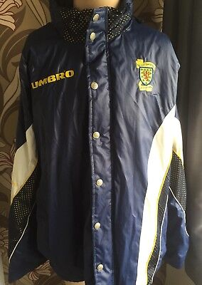 Retro SCOTLAND 91/93 Umbro Bench Coat (L) Football Jacket Shiny Wet Look Glanz