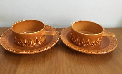 Vintage /retro Soup Bowls And Saucers By Holkham Pottery Norfolk-Vgc