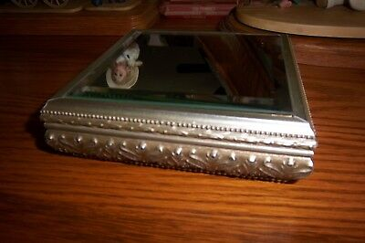 T'Laro Beveled Mirror-Display Platform Stand W/Gold Ornate Scroll & Mirror Top