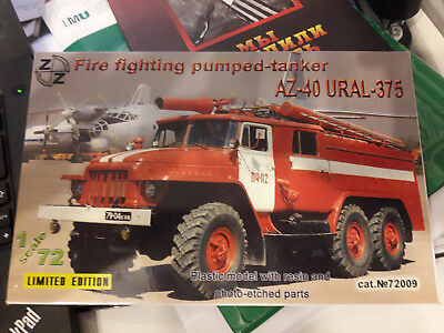 Russland TLF Sowjetunion Fire fighting pumped-tanker AZ-40 Ural 375 Bausatz 1:72