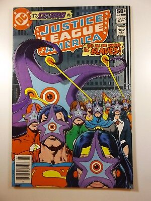 """Justice League of America #190 """"Our Friends, Our Enemys!"""" VF- Condition!"""