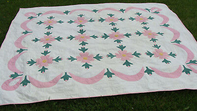 """1930s cotton Applique all hand quilted quilt, heart quilting, 103"""" x 87""""  *"""