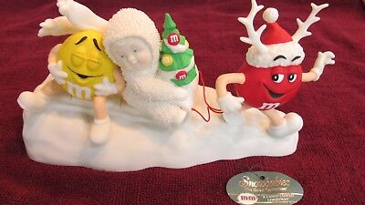 M&M's(R) A Candy Coated Christmas - Dept. 56 - w/Yellow & Red Characters 2004