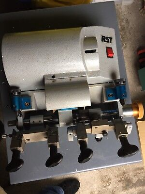 Mortice and cylinder Key cutting machine