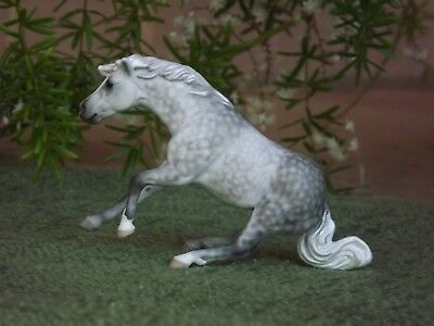 Breyer Custom Stablemate G4 Reining Horse in Dapple Gray