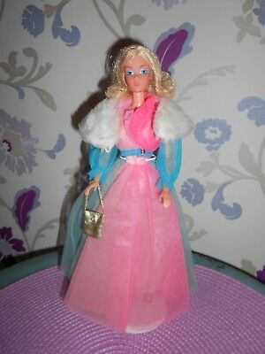 MOD Barbie QUICK CURL DELUXE in 70er Jahre OUTFIT