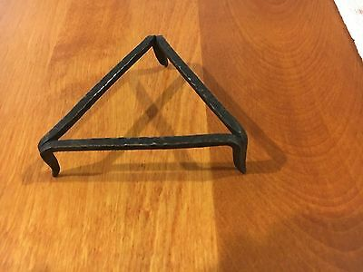 TRIVET BLACK WROUGHT IRON 3 Leg TRIANGLE SHAKER ANTIQUE