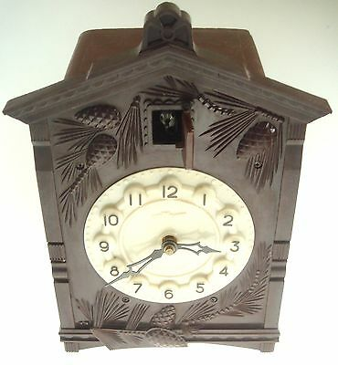 "Vintage Russian clock "" Cuckoo "" Bakelite Frame Working Missing parts Nr 7340"