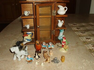 Vintage Miniature Wood Curio Cabinet, TAIWAN, with Lot of 21 Owls, Pitchers ++++