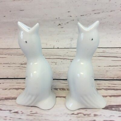 """Pair of Vintage Gloss White Porcelain Ceramic Pie Birds 4"""" Tall with Black Eyes"""