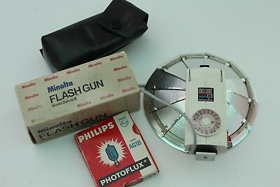 Minolta Bulb Flash Unit Model Delux 111 With Bulbs