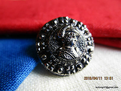 3262 – Lady's Head w Feather Plume Hat 1800's Silver Lustered Black Glass Button