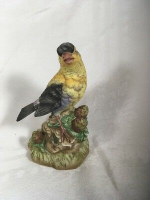 "6 1/2"" Lefton Hand Painted Goldfinch Figurine c 1983 Bird Statue KW 7457 China"