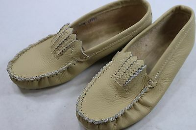 Women's 6 M Taos Indian Maid Mox Tan Leather Moccasin Made in the USA A060