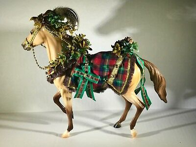 BREYER Horse - 2016 Holiday - 'Woodland Splendor'