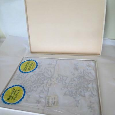 Vtg Cotton Madeira 2 Pillowcase Set Embroidered Floralw 21 x 34 New in Box