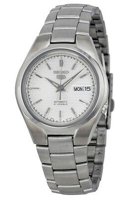 fcfaaa9fa Seiko 5 SNK601 Men's Stainless Steel Silver Dial Day Date Automatic Watch