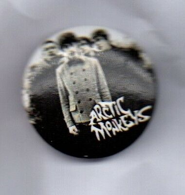 ARCTIC MONKEYS BUTTON BADGE - British Indie Rock Band - Mardy Bum  25mm pin