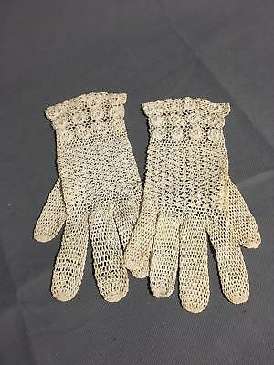 """Vintage Women's Gloves Cream Colored Lace Small  8"""" Long rd"""