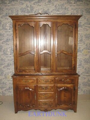 Ethan Allen China Cabinet Hutch Country French Lighted Interior 26 6307