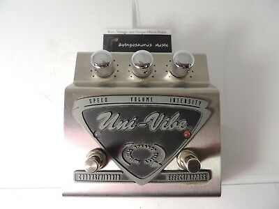 Dunlop UV-1 Uni-Vibe Chorus & Vibrato Effects Pedal w/Vintage Switch Free US S&H