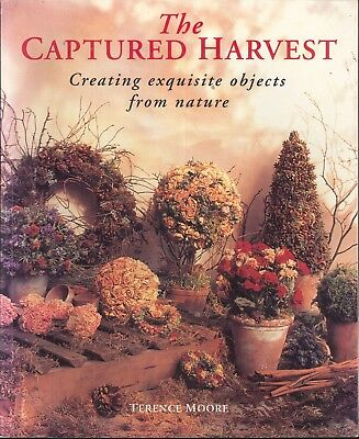 Captured Harvest 1994 Moore UK Edition Paperback Topiary Swags Garlands Baskets